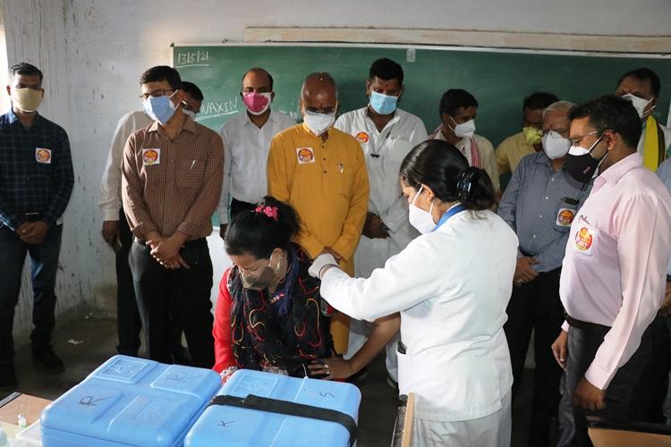 हिंदी समाचार |शिविर की सफलता के लिए मतदान...