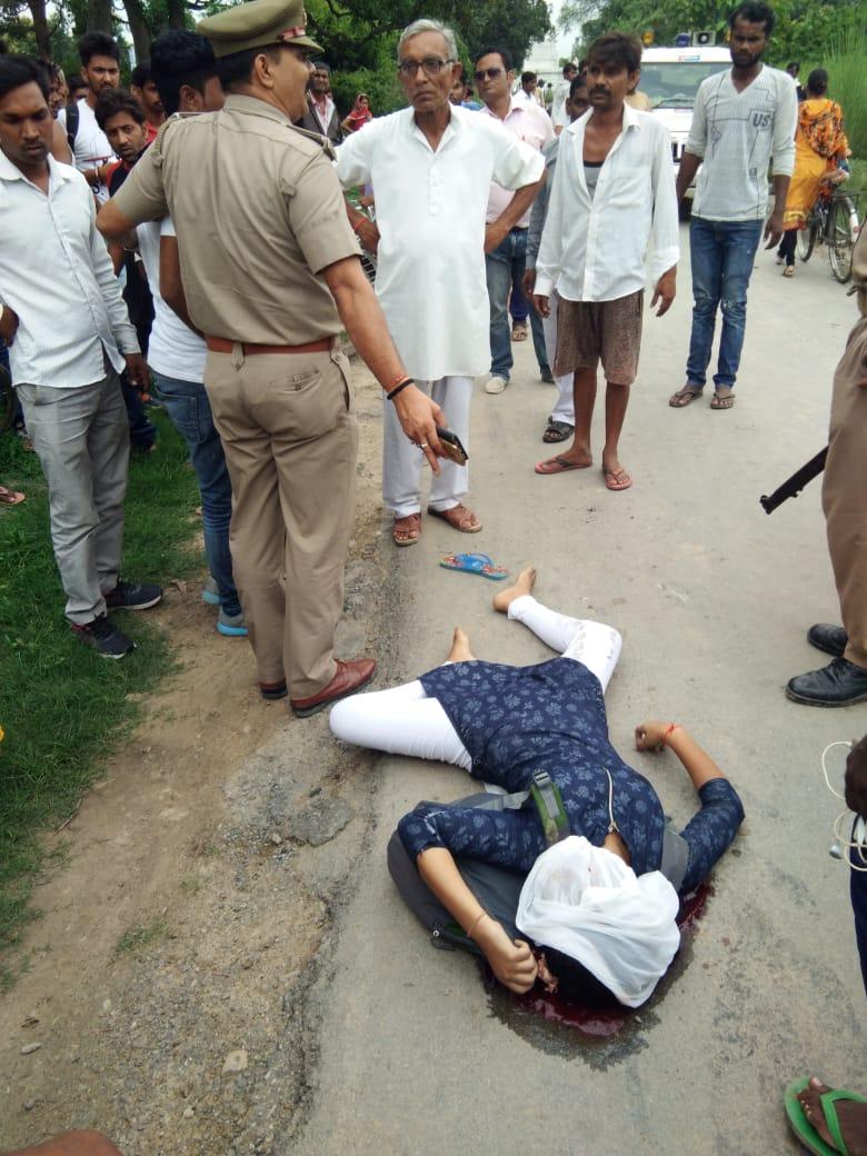 हिंदी समाचार | ट्रैक्टर से कुचलकर छात्रा की...