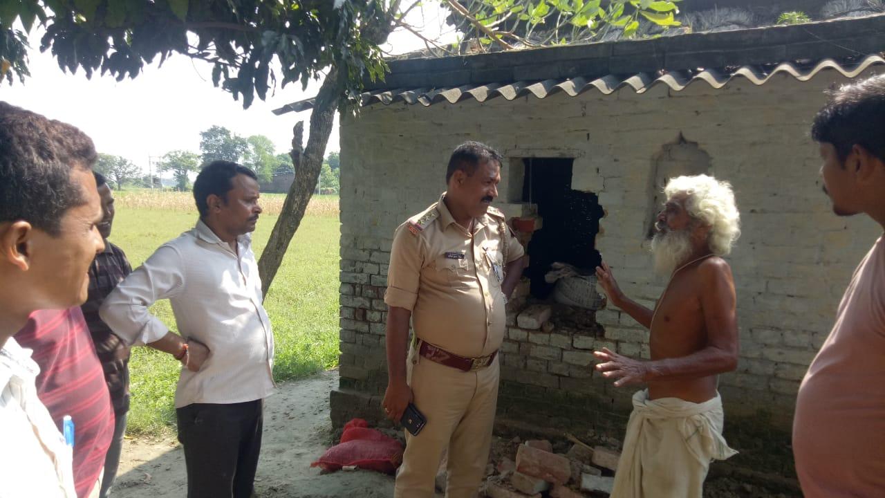 हिंदी समाचार |ग्रामीणों की गिरफ्त में आया...