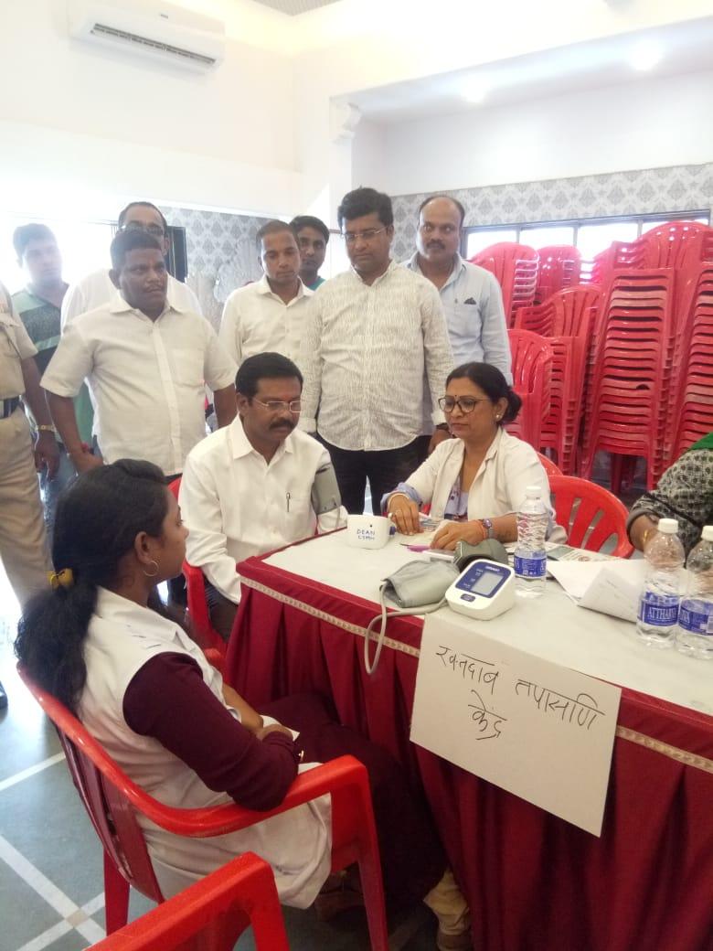 हिंदी समाचार |दिवा में शिवसेना द्वारा मुफ्त...