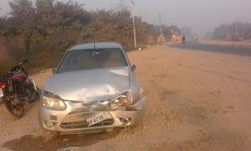 हिंदी समाचार |खडी़ ट्रक में अनियंत्रित कार...