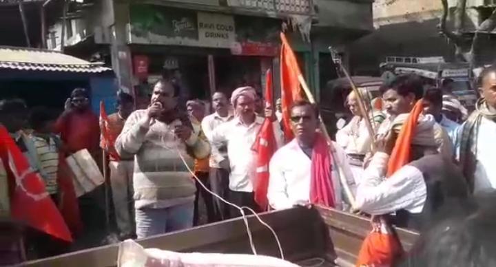 हिंदी समाचार | चकाई थाना के एस आई संजय कुमार पर दलित अत्याचार अधिनियम के तहत मुकदमा दर्ज करने एवं गिरफ्तार कर निलंबित करने की मांग