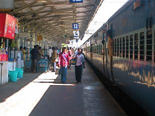 हिंदी समाचार  मुंंबई मे आने वाले यात्रियों ...