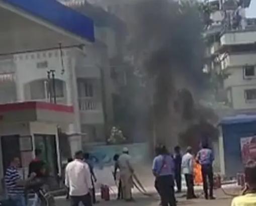 हिंदी समाचार   डोम्बिवली में पेट्रोल पंप पर...