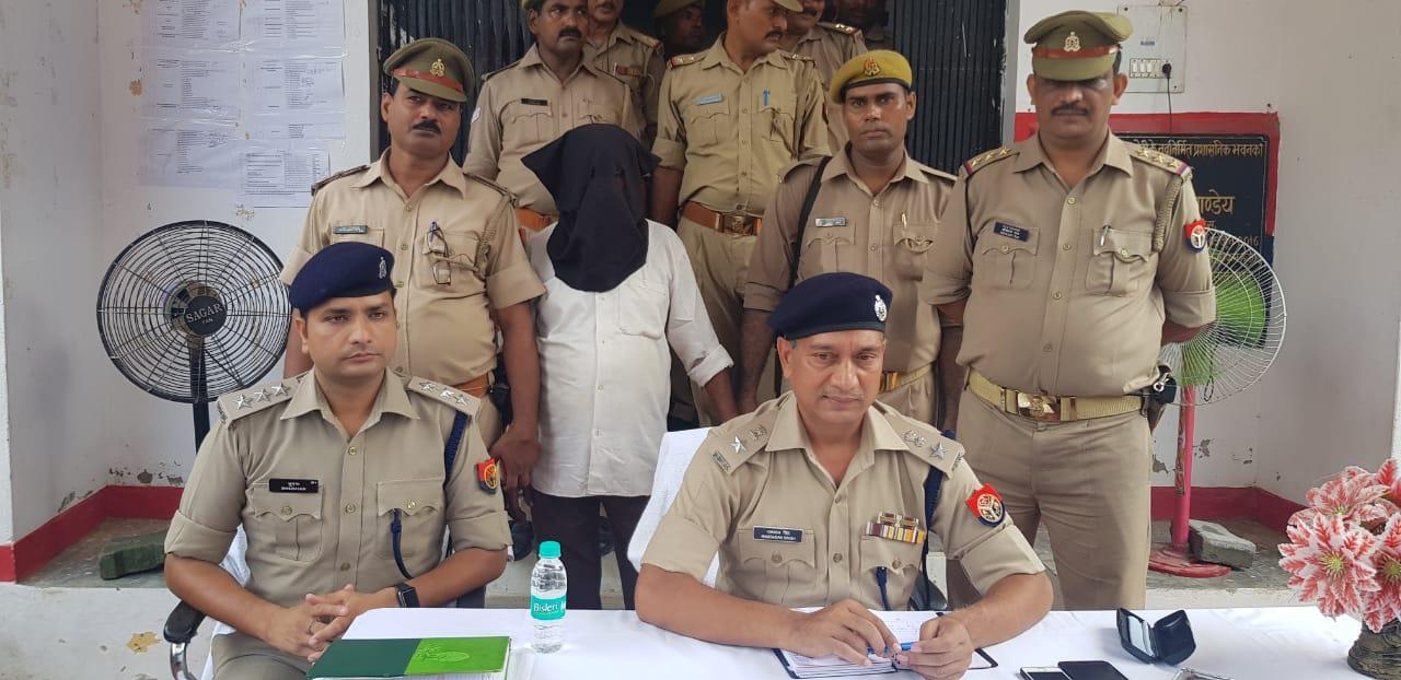 हिंदी समाचार |भदोही पुलिस ने ,870 पेटी अवैध...