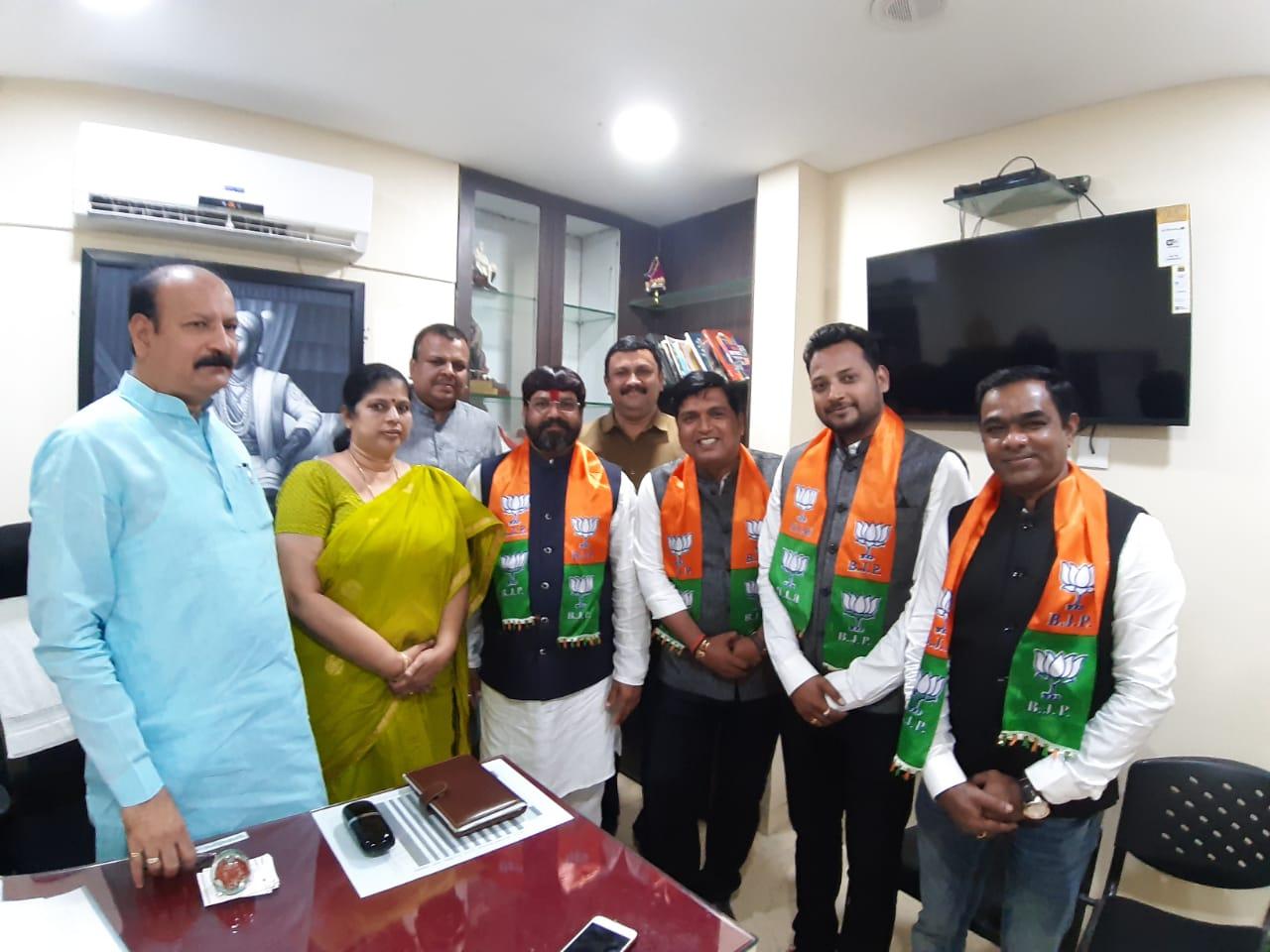 हिंदी समाचार | भाजपा में शामिल हुए युवा उद्यमी आनंद स़ंग मनसे के अमित संखे तथा सामाजिक कार्यकर्ता संतोष संपकाले