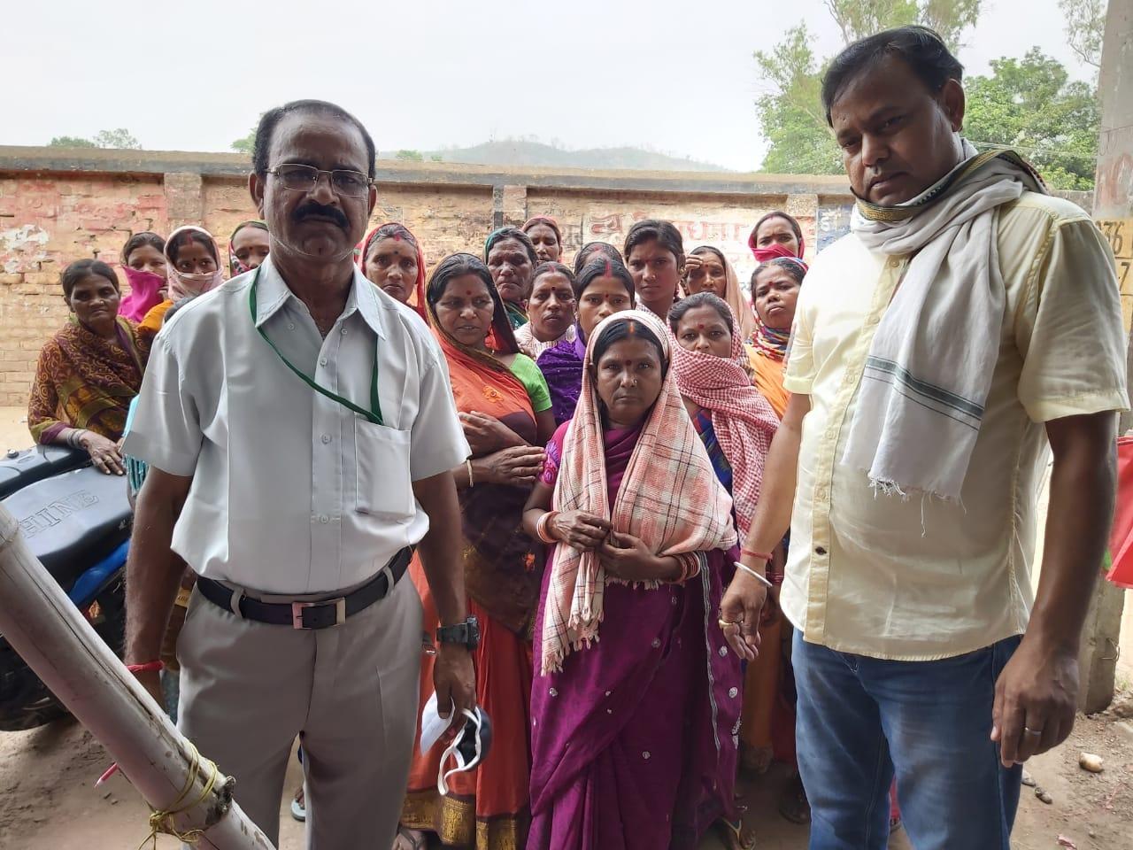 हिंदी समाचार |समाजसेवियों के द्वारा लगातार...
