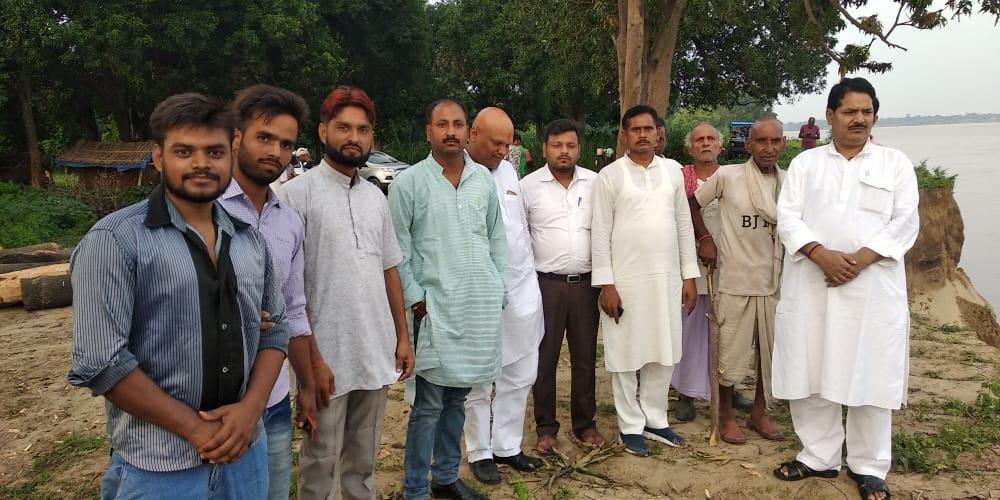 हिंदी समाचार |युवा शक्ति के सदस्यों ने कटान...