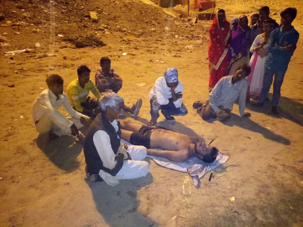 हिंदी समाचार | माण्डा वैगनाआर और ट्रक की आमने सामने भिड़न्त में पाँच घायल एक बच्ची की मौत