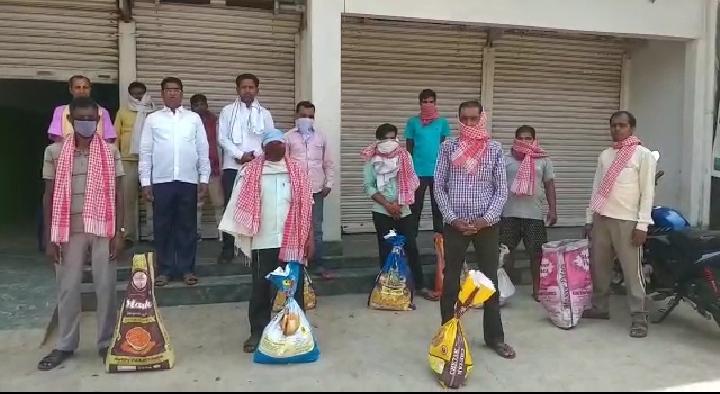 हिंदी समाचार |अखबारों के हॉकरों को...