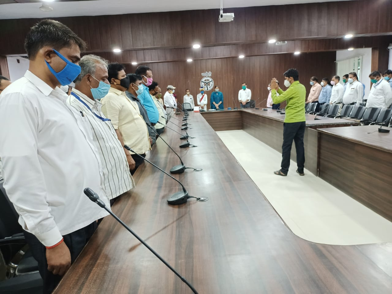 हिंदी समाचार |जिलाधिकारी आर्यका अखौरी की...