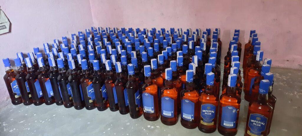 हिंदी समाचार | हरियाणा से शराब की तस्करी कर...