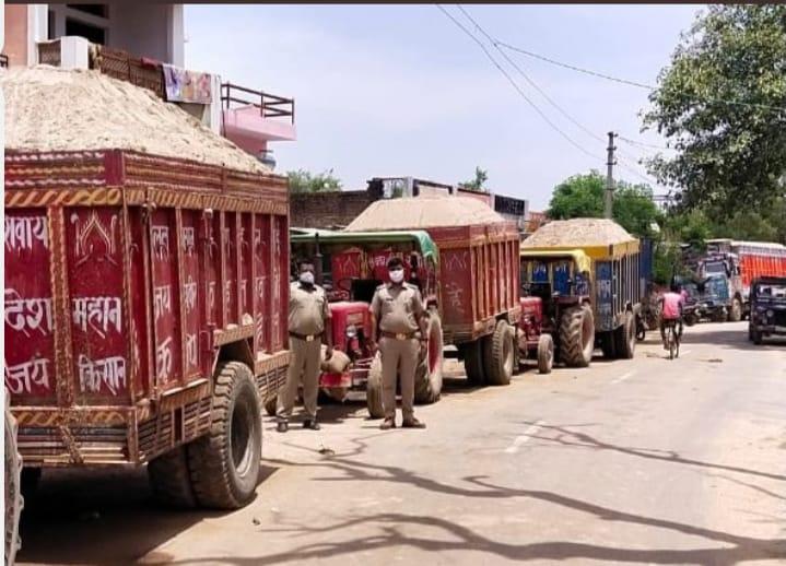 हिंदी समाचार |16 ओवर लोड वाहनों को पुलिस ने...