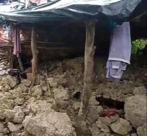 हिंदी समाचार | कच्चा मकान गिरने से दो लोगों...