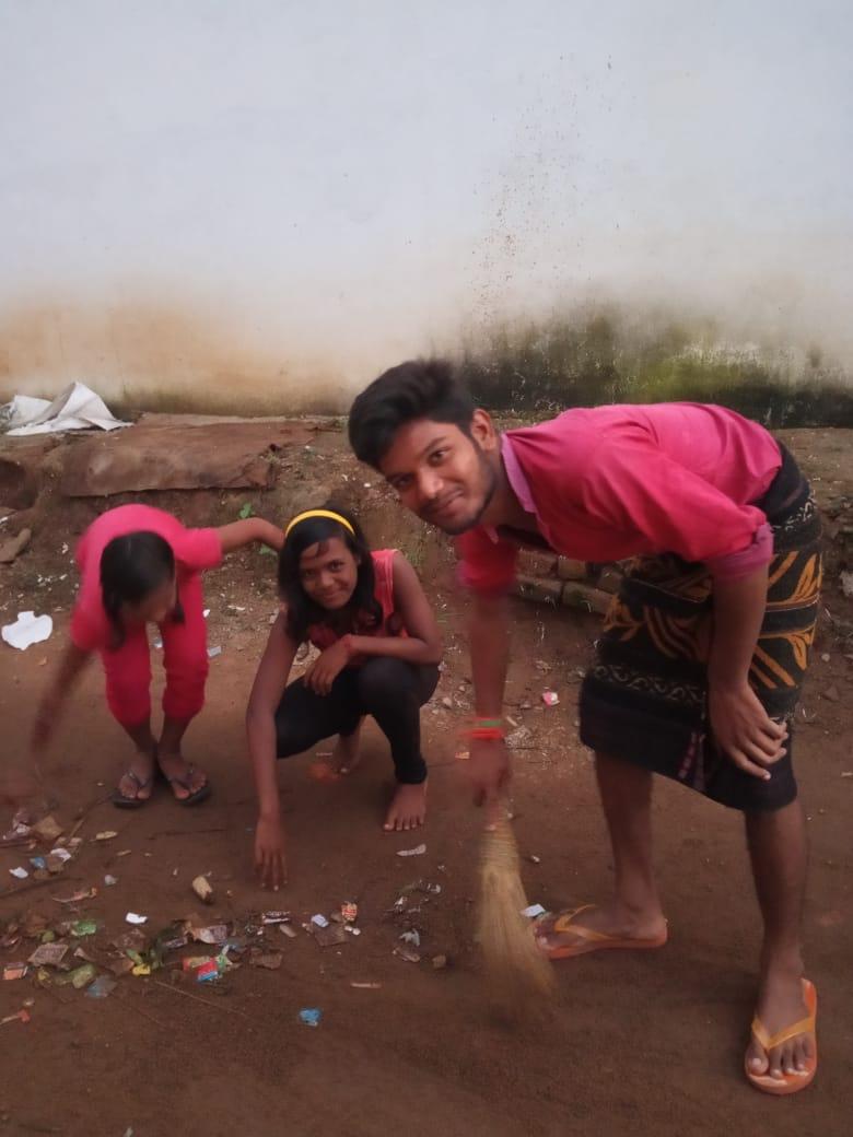 हिंदी समाचार | मोहदा  स्कूली बच्चों ने हिंदी...