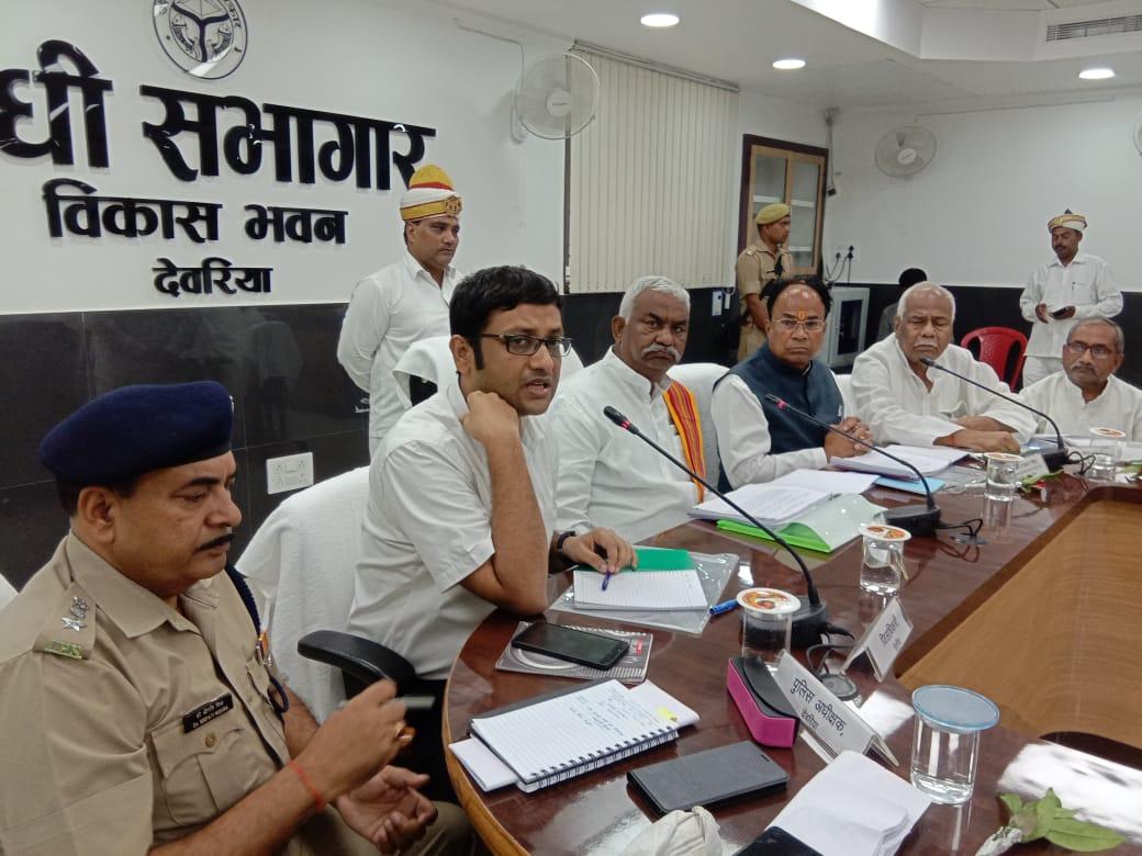 हिंदी समाचार |राज्यमंत्री ने मरीजों के बीच...