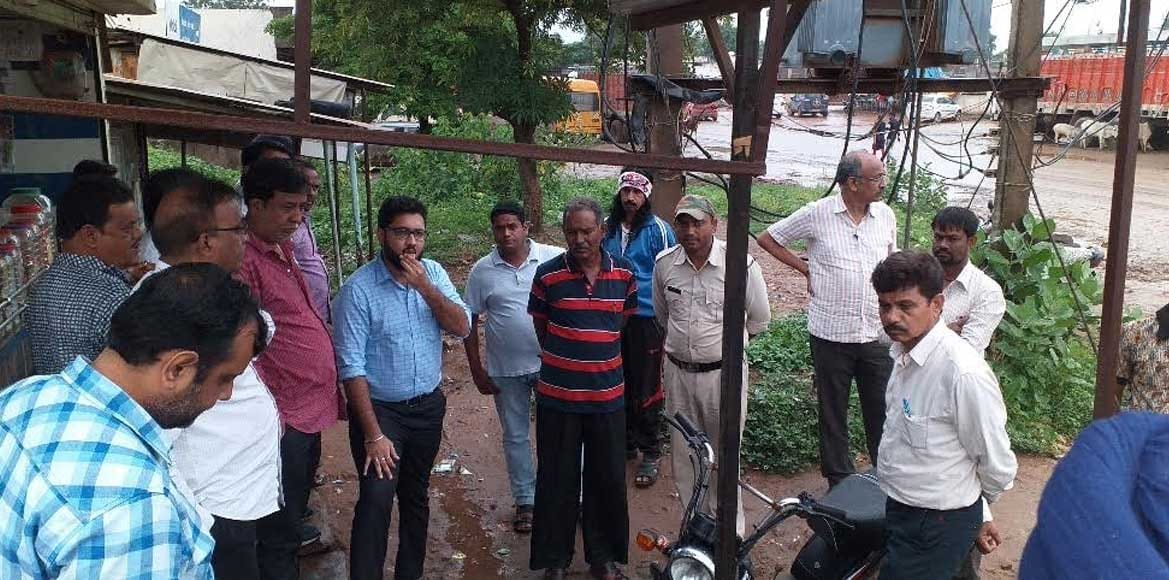 हिंदी समाचार   जनसहयोग से बहुत जल्द सड़क के बड़े गड्ढों से मिलेगा छुटकारा