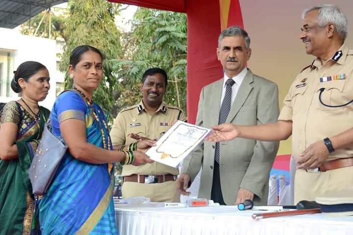 हिंदी समाचार | चोरी के मामलों में जप्त किये गए माल को पुलिस ने संबंधितो को लौटाया ,