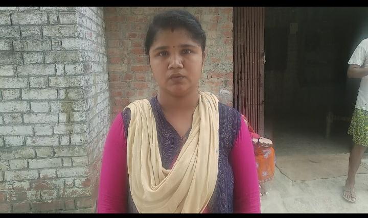 हिंदी समाचार | रूधौली बाजार खरीददारी करने गई महिला के गले से अज्ञात उचक्के चेन खींचकर हुए फरार