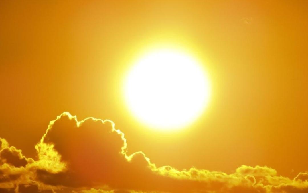 हिंदी समाचार  प्रयागराज में सूरज ने बढ़ाई...