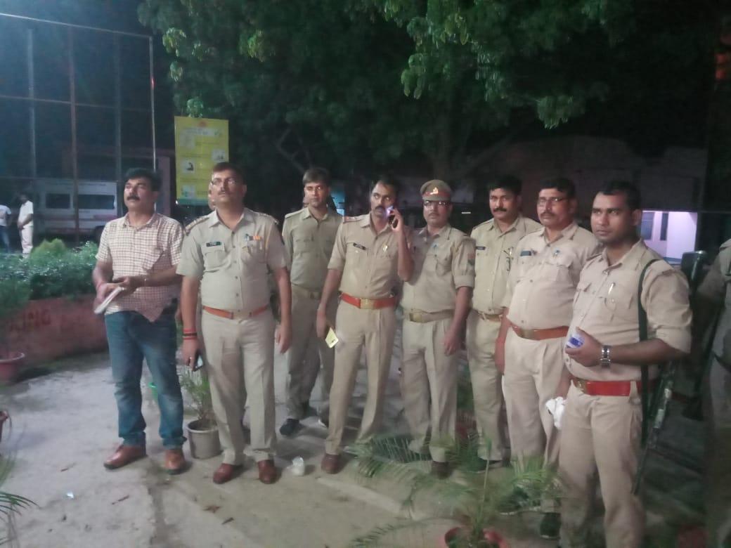 हिंदी समाचार |पुलिस के हत्थे चढ़े दोनों...