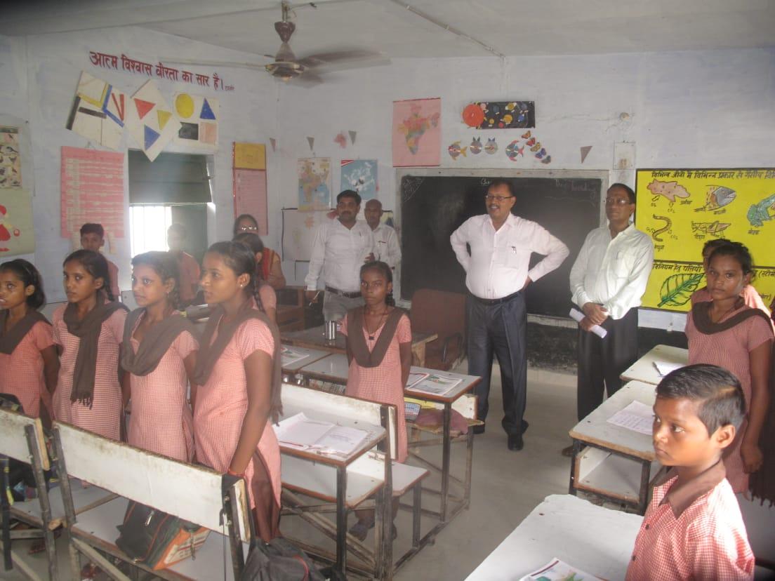 हिंदी समाचार |ज्ञानपुर देहात स्कूल का...